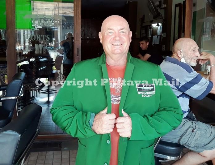 Winner Mike Firkin with co spy Len Jones (R).