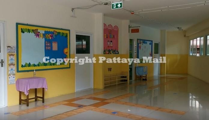 Principal Arunrat Sawadchutitrakul said 10 students have contracted dengue since the school reopened July 1.
