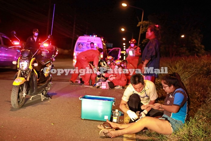 Taveesak Charoenphon and passenger Netthida Moonrata were hurt in a motorcycle accident in Sattahip.