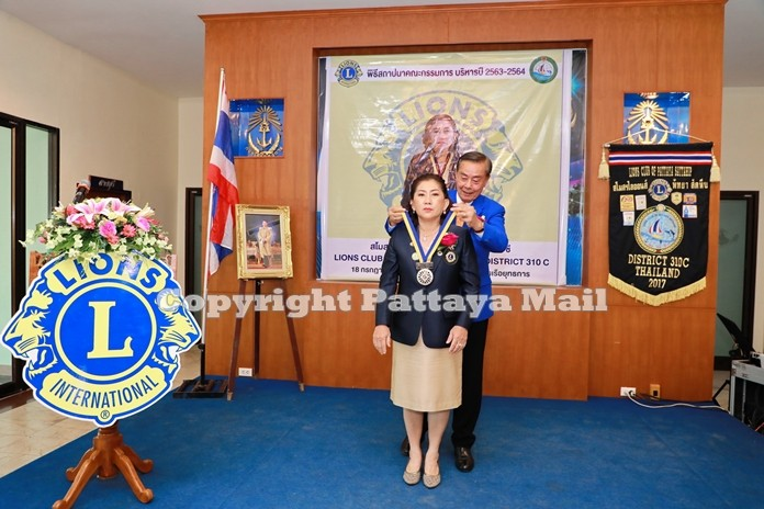 Lion Rattapol Kanjanamanee, District Governor of 310 C Lions International installs Lion Wipada Katacharoen as President of Lions Club of Pattaya- Sattahip for 2020-21.