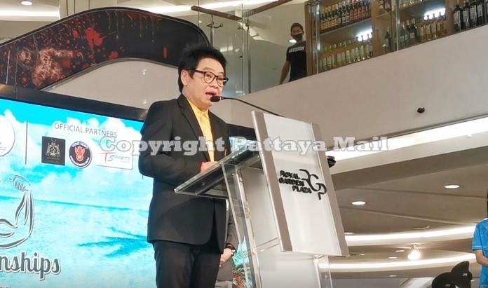 City tourism advisor Rattanachai Sutidechanai officiated at the Body Building Championships.