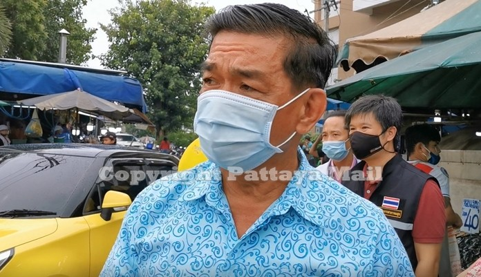 Pattaya Deputy Mayor Manote Nongyai insects the construction site stating that the project will be completed on schedule.