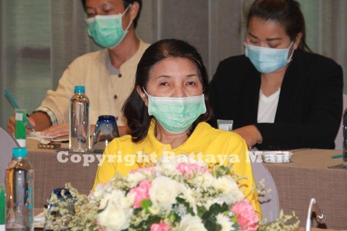 "Pinnart Charoenpol, Director of TAT Pattaya Branch announces the ""TAT Hot Deal @ Pattaya Chonburi"" campaign to attract more domestic tourism to Pattaya."