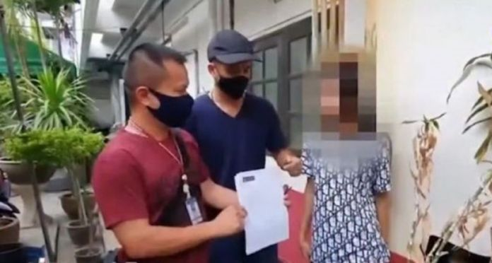 Three Thai suspects arrested for hacking Facebook and LINE accounts of others and trickedthem out of millions of baht.