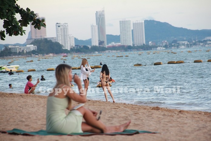 """Hotel bookings made through the government's """"We Travel Together"""" subsidized-tourism campaign reached 300,000 rooms with Pattaya and Hua Hin proving most popular."""