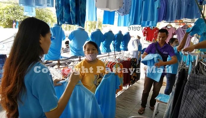 Sales of blue clothing were brisk at a Pattaya-Naklua clothing shop.