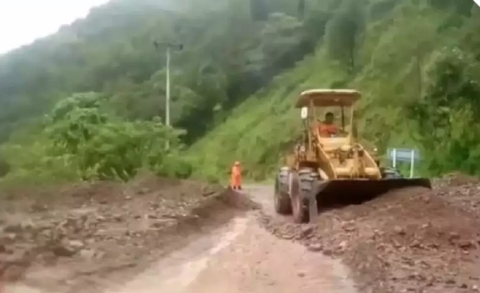 In Nan, northern Thailand, the level of the Nan River was rising. Landslides were reported at several locations near valleys and mountains.