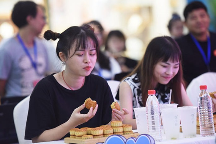 Thailand Mooncake Festival on Oct 1 may see sales shrink by 16%