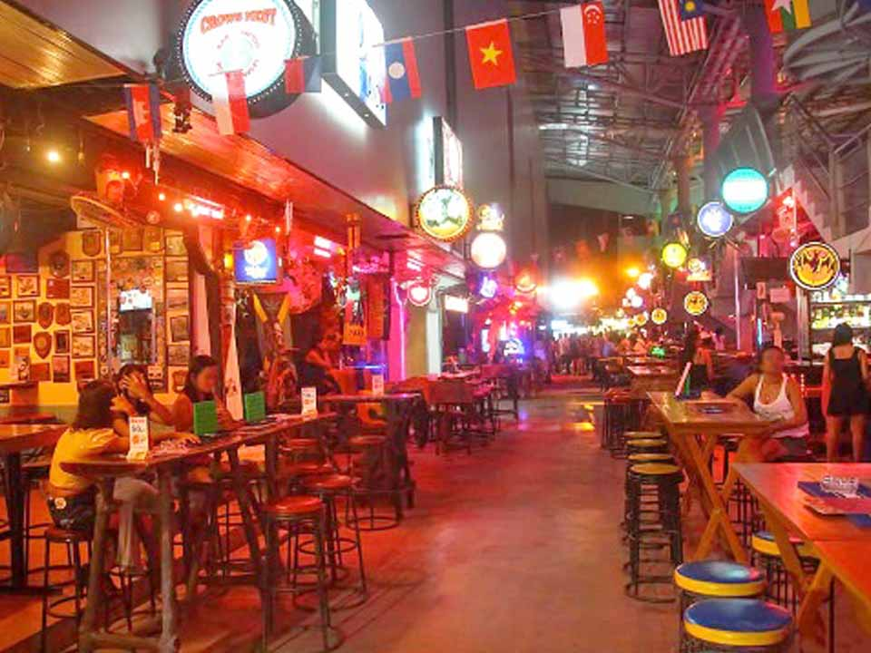 t 06 Phuket extends restrictions on entry to the island and ban on entertainment venues
