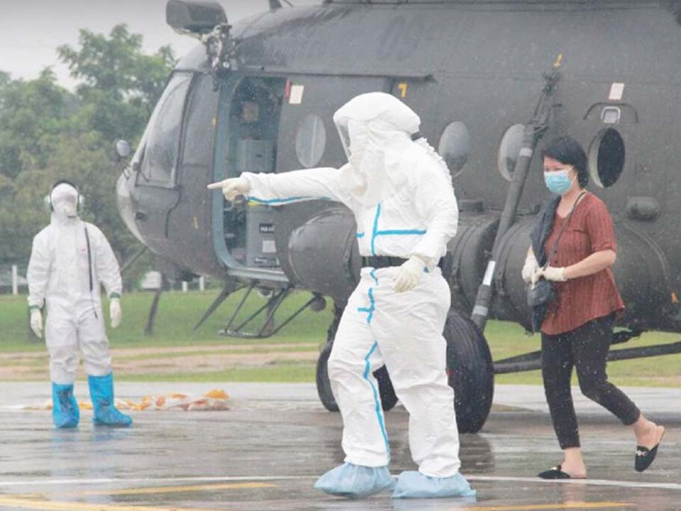 t 10 Thai Army prepares medical treatment for infected Karen villagers
