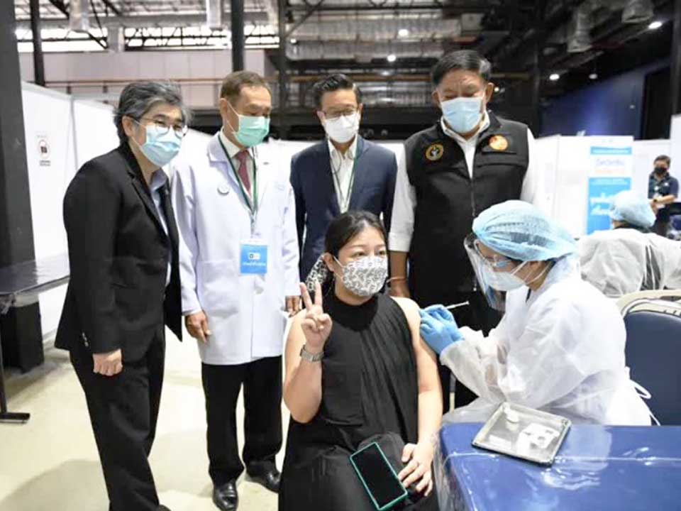 t 11 Bangkok prepares 12 walk in vaccination locations for pregnant women Aug 25 27